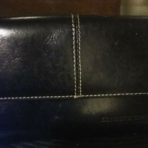 Blk leather wallet by Kenneth cole